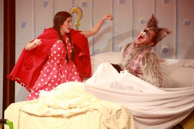 Jolene O'Hara as little red riding hood and Mathew Forsyth as the wolf (1)