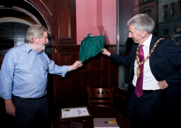 Martin and Lord Mayor revealing the Lynch Corner Plaque
